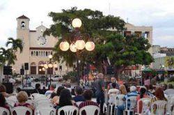 Los Sábados Pa' La Plaza en Caguas